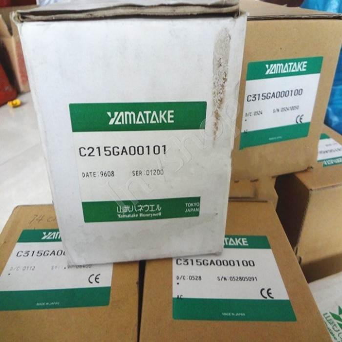 NEW C215GA00101 Yamatake Thermostat SDC21